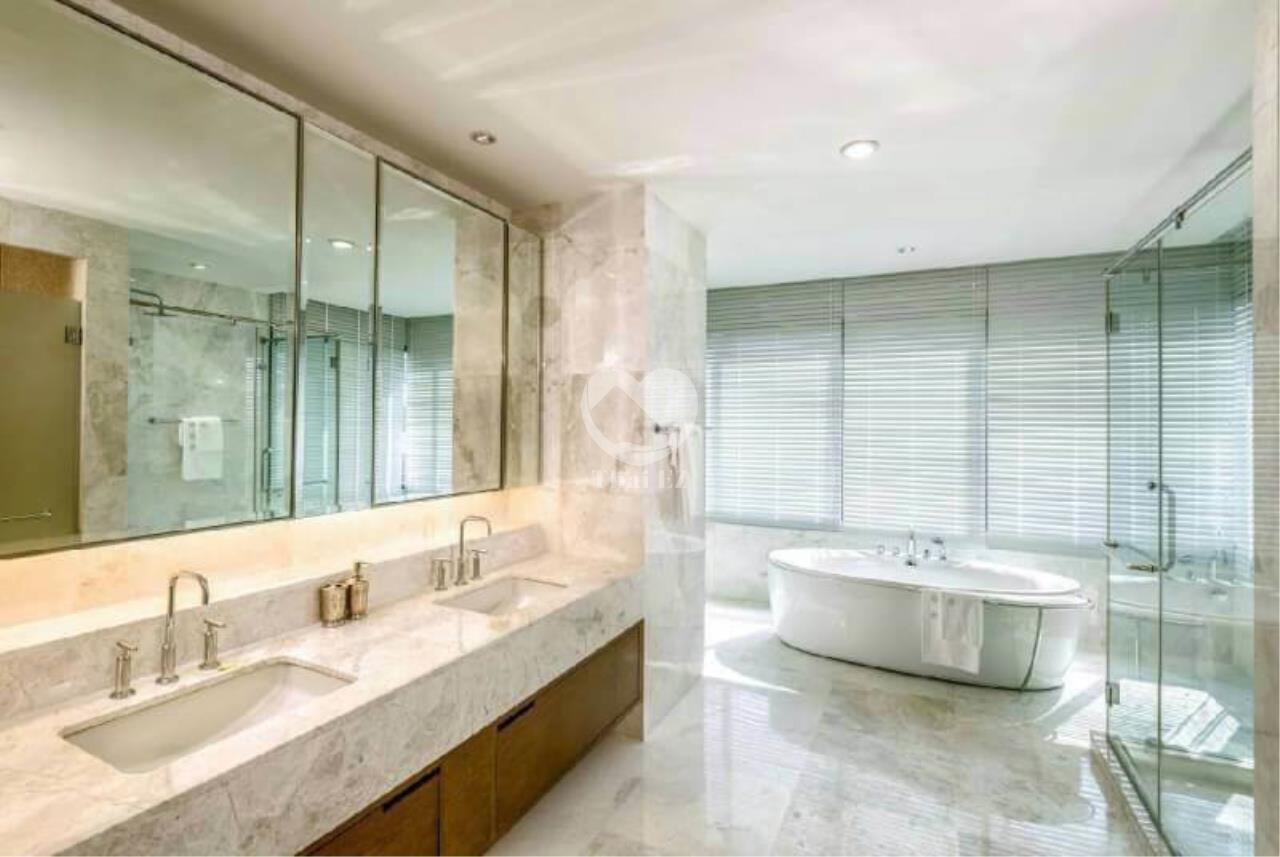 Thai EZ Agency's Luxury Penthouse Duplex for sale THB 120,000,000 Bright Sukhumvit 24 8