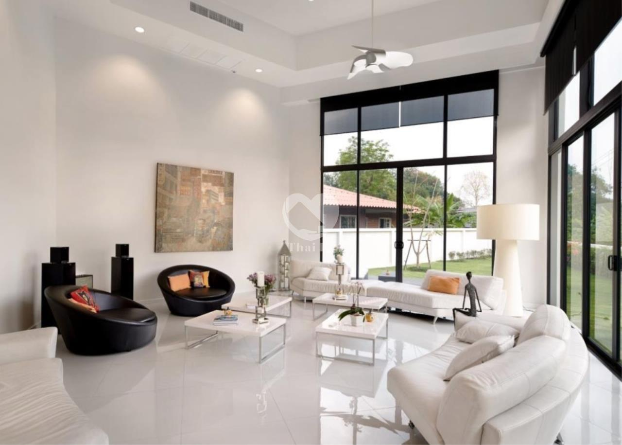 Thai EZ Agency's Beautiful House for Sale 2