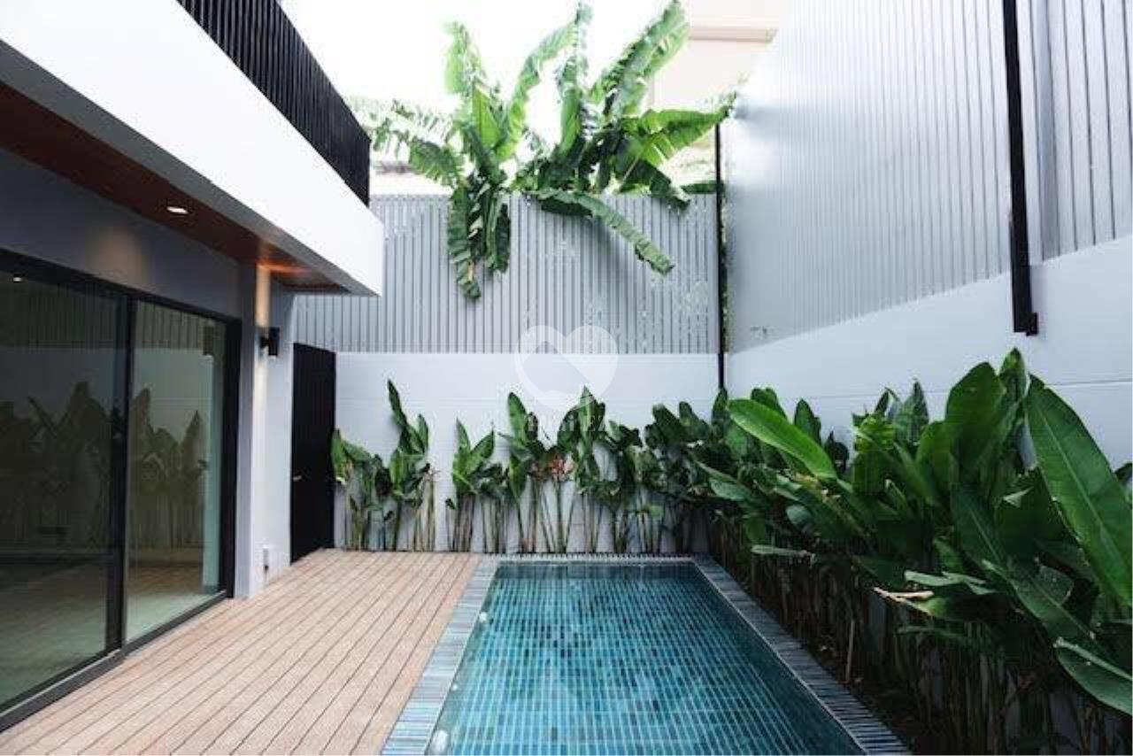 Thai EZ Agency's Brand New House for Sale - Thong Lor  1