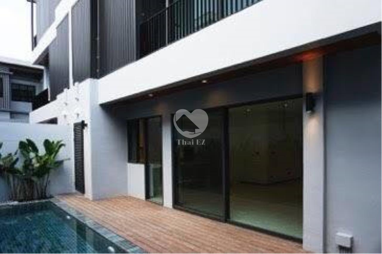 Thai EZ Agency's Brand New House for Sale - Thong Lor  2