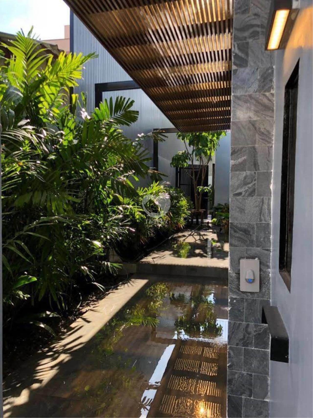 Thai EZ Agency's Brand New House for Sale - Thong Lor  3