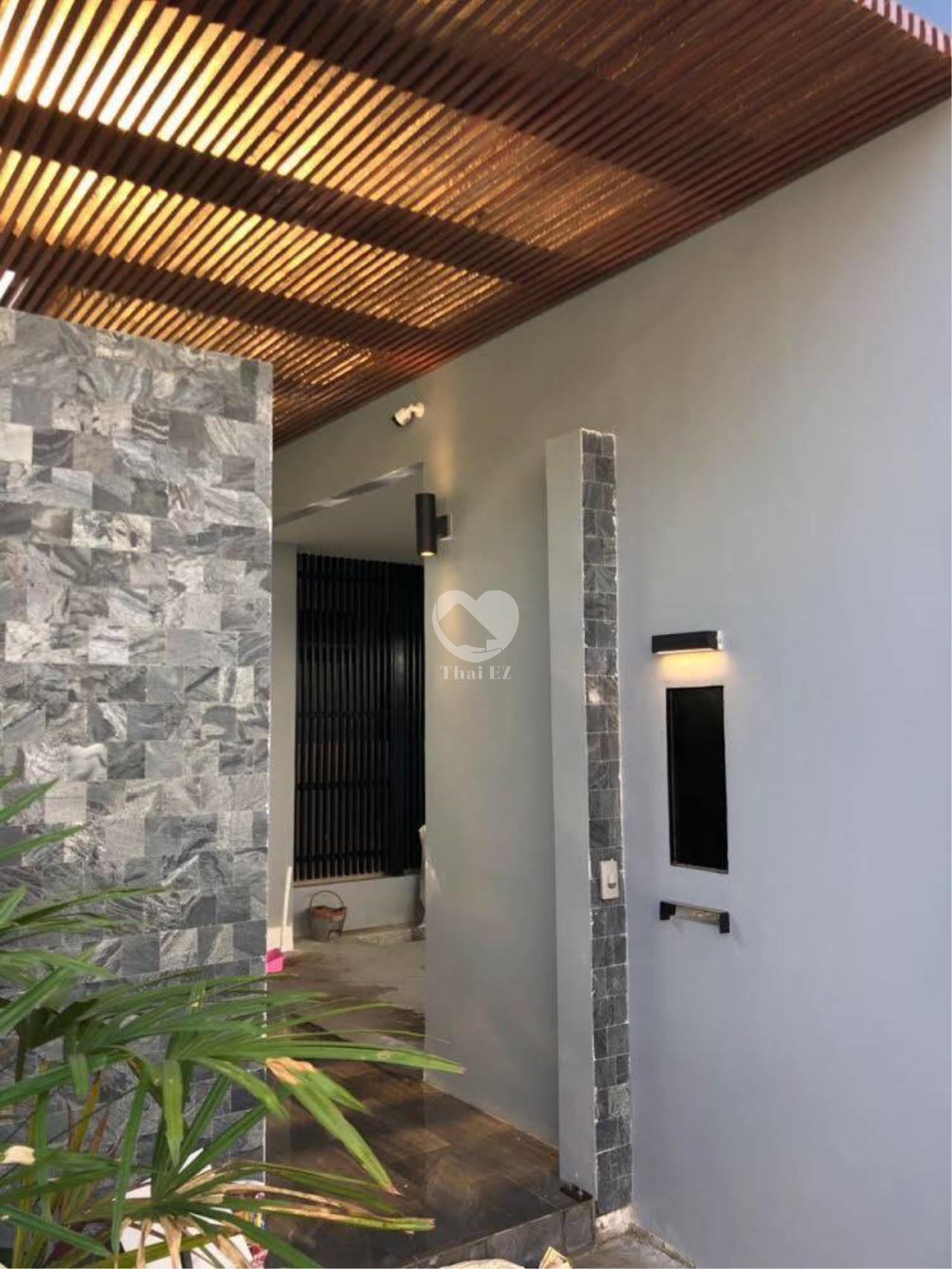 Thai EZ Agency's Brand New House for Sale - Thong Lor  4