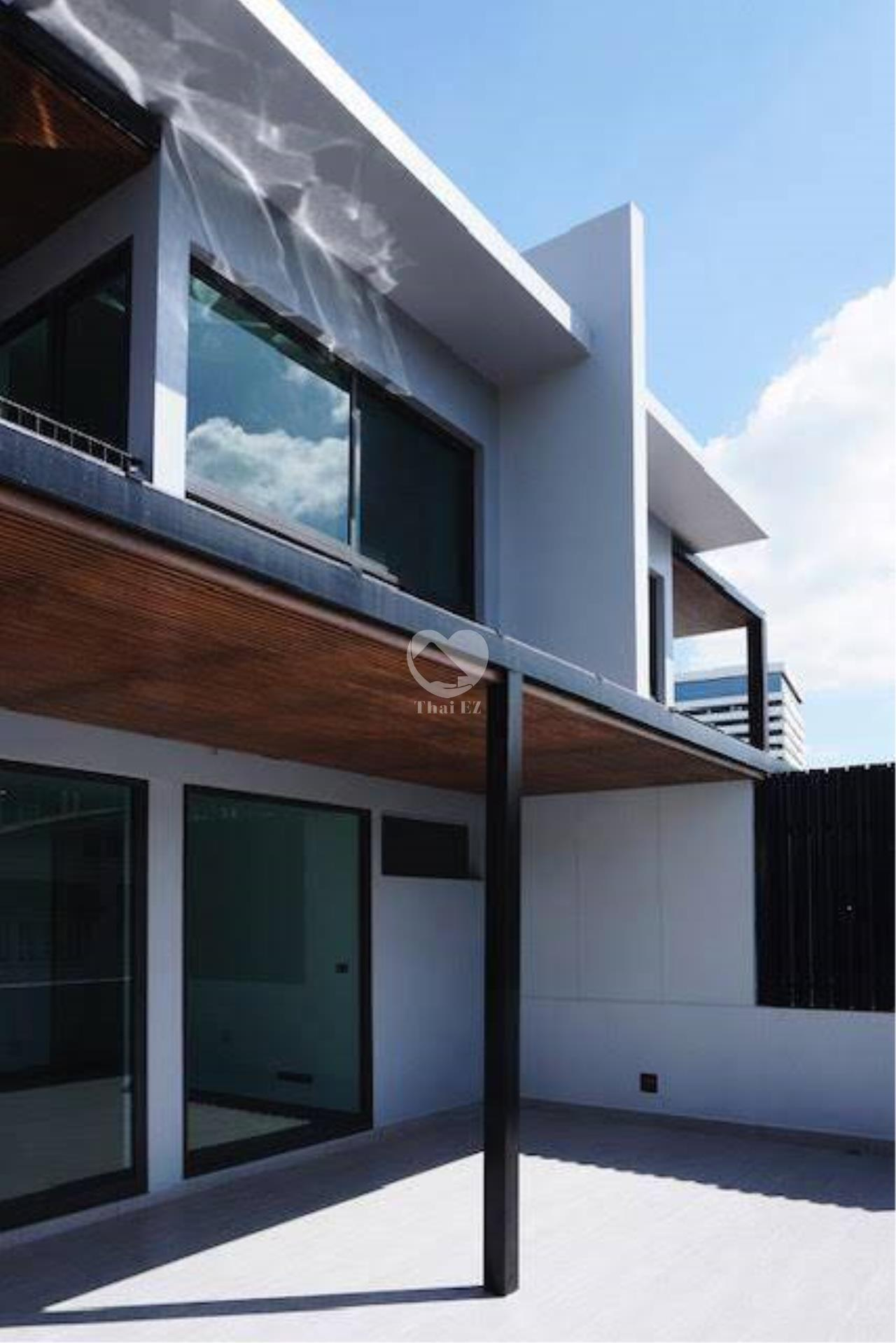 Thai EZ Agency's Brand New House for Sale - Thong Lor  14