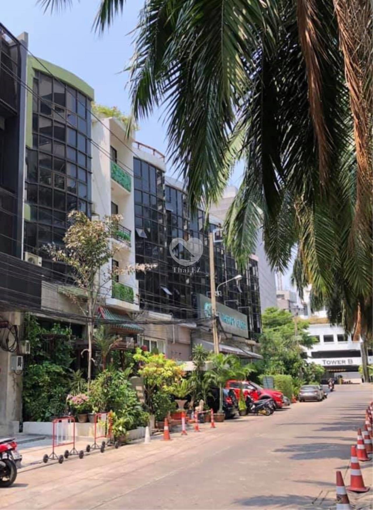 Thai EZ Agency's For Rent Building space for Commercial Sukhumvit soi 39, BTS Phrompong 1