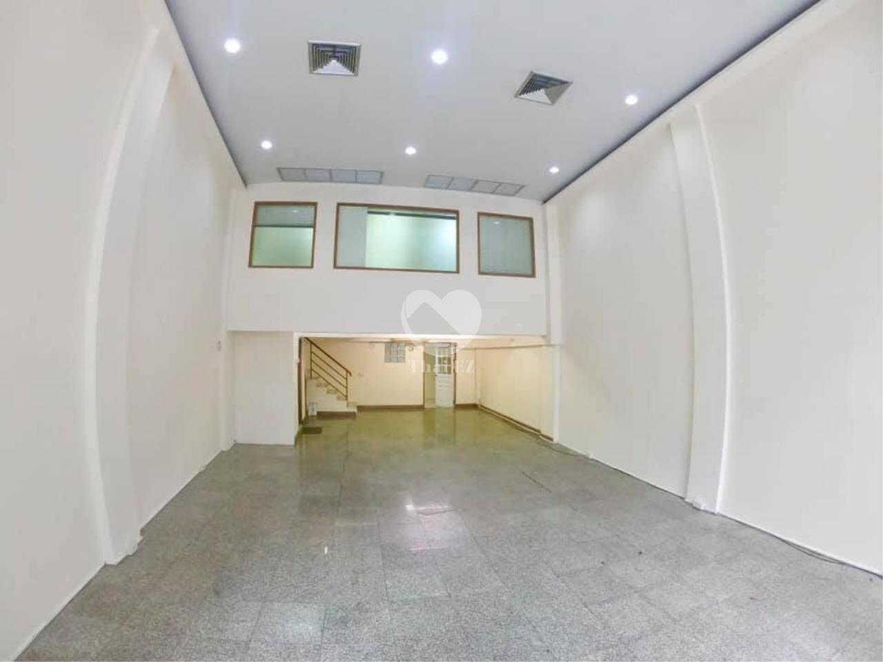 Thai EZ Agency's For Rent Building space for Commercial Sukhumvit soi 39, BTS Phrompong 5