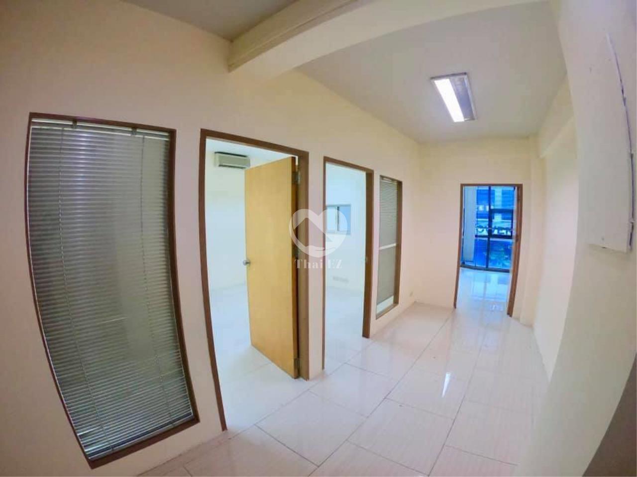 Thai EZ Agency's For Rent Building space for Commercial Sukhumvit soi 39, BTS Phrompong 6