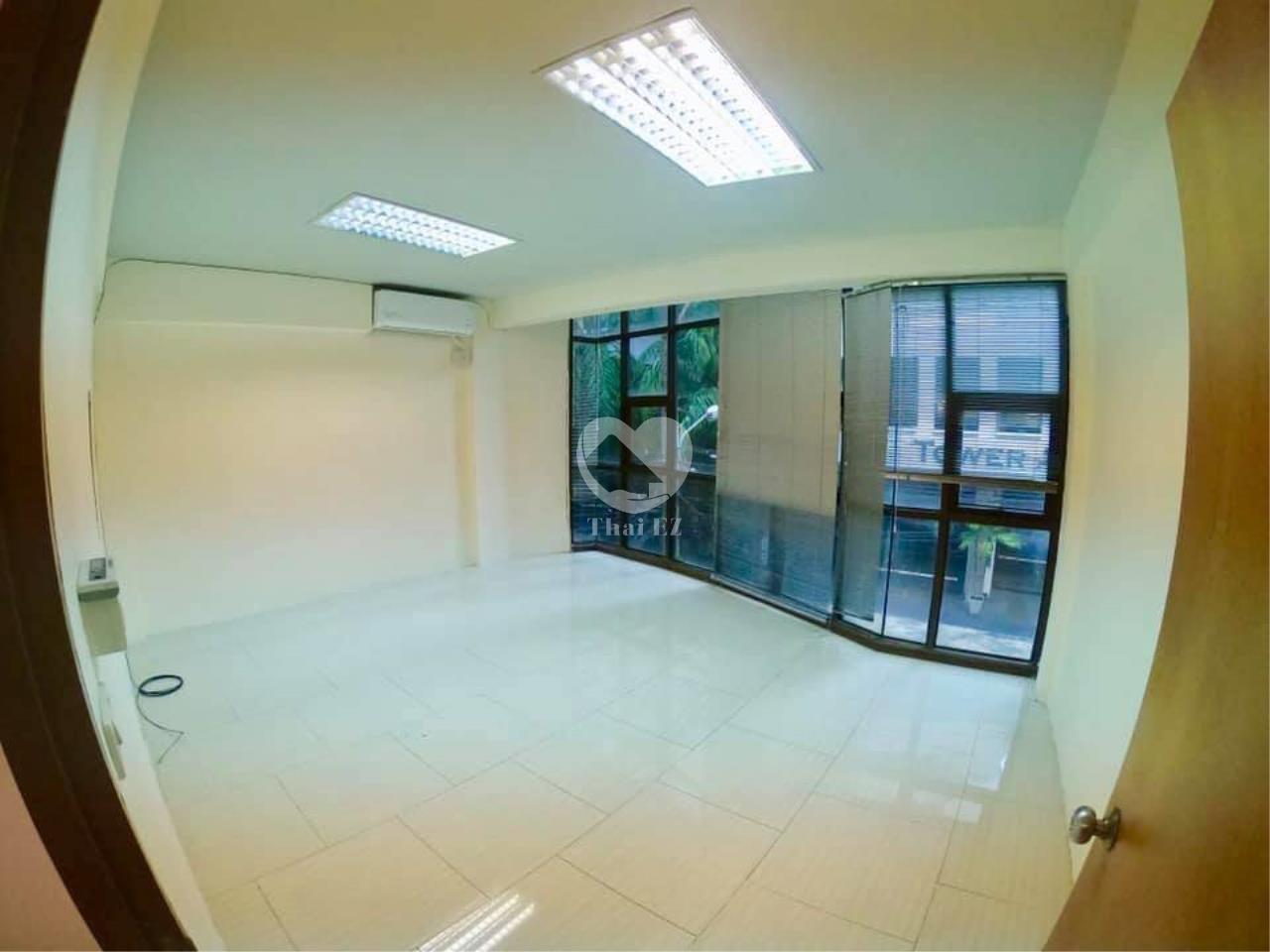 Thai EZ Agency's For Rent Building space for Commercial Sukhumvit soi 39, BTS Phrompong 8