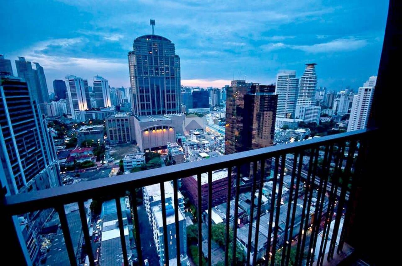 Thai EZ Agency's For Rent - Noble Refine Top Fl., 25th Corner unit Stunning view 4