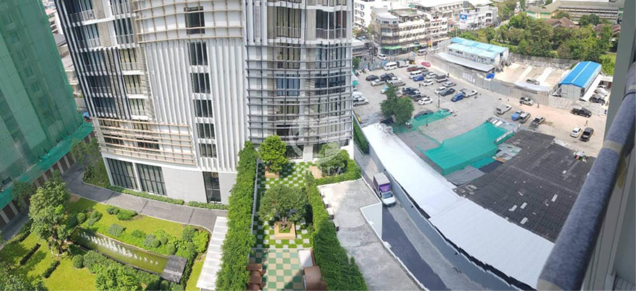 Thai EZ Agency's Sell 2 bed with tenant Park 24, Phromphong 9