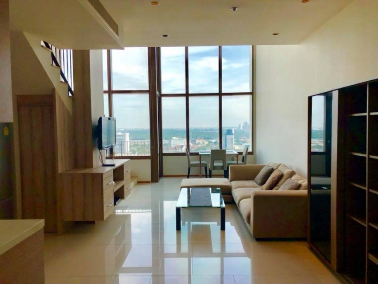 Century21 Skylux Agency's The Emporio Place / Condo For Rent / 1 Bedroom / 82.68 SQM / BTS Phrom Phong / Bangkok 3