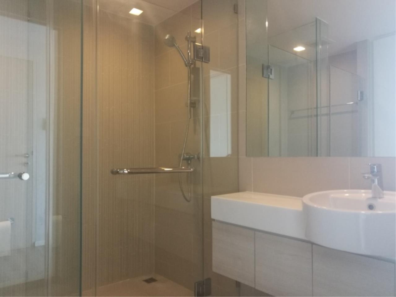 Century21 Skylux Agency's Double Lake Muang Thong Thani / Condo For Rent / 2 Bedroom / 57 SQM / Mueng Thong Thani / Bangkok 9