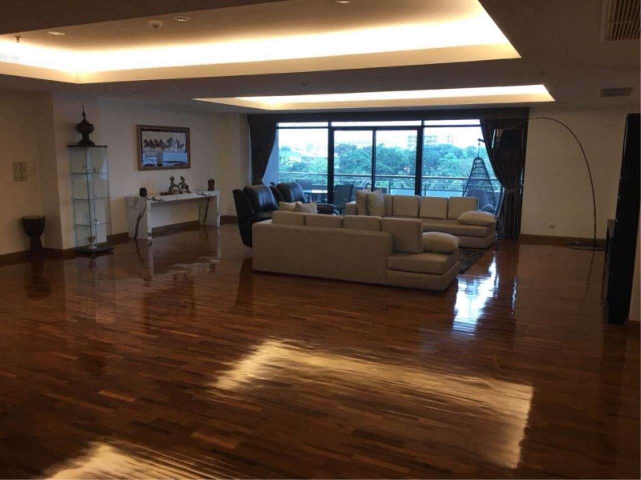 Century21 Skylux Agency's Lakeshore West Condominium / Condo For Sale / 4 Bedroom / 414.94 SQM / Pakkret / Bangkok 1
