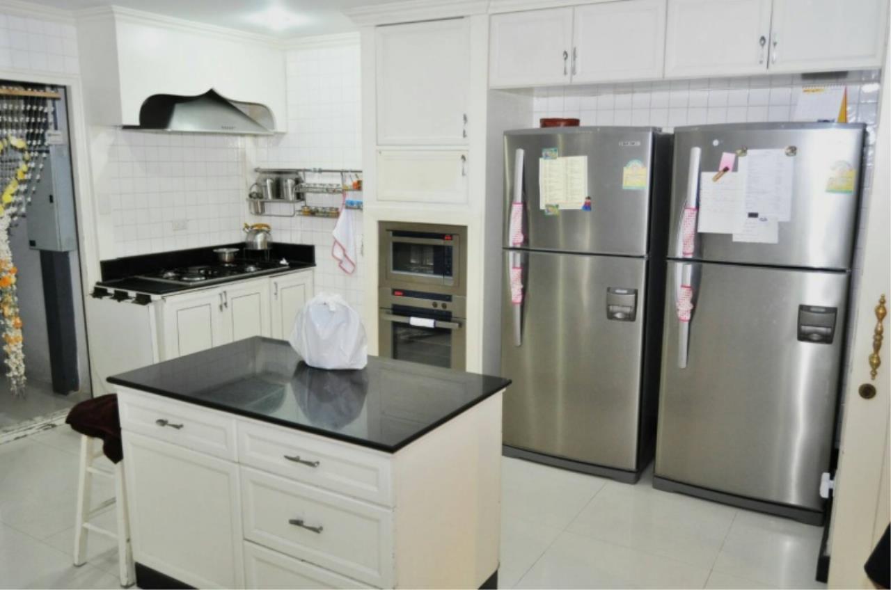Century21 Skylux Agency's Oriental Towers / Condo For Rent / 4 Bedroom / 350 SQM / BTS Ekkamai / Bangkok 6