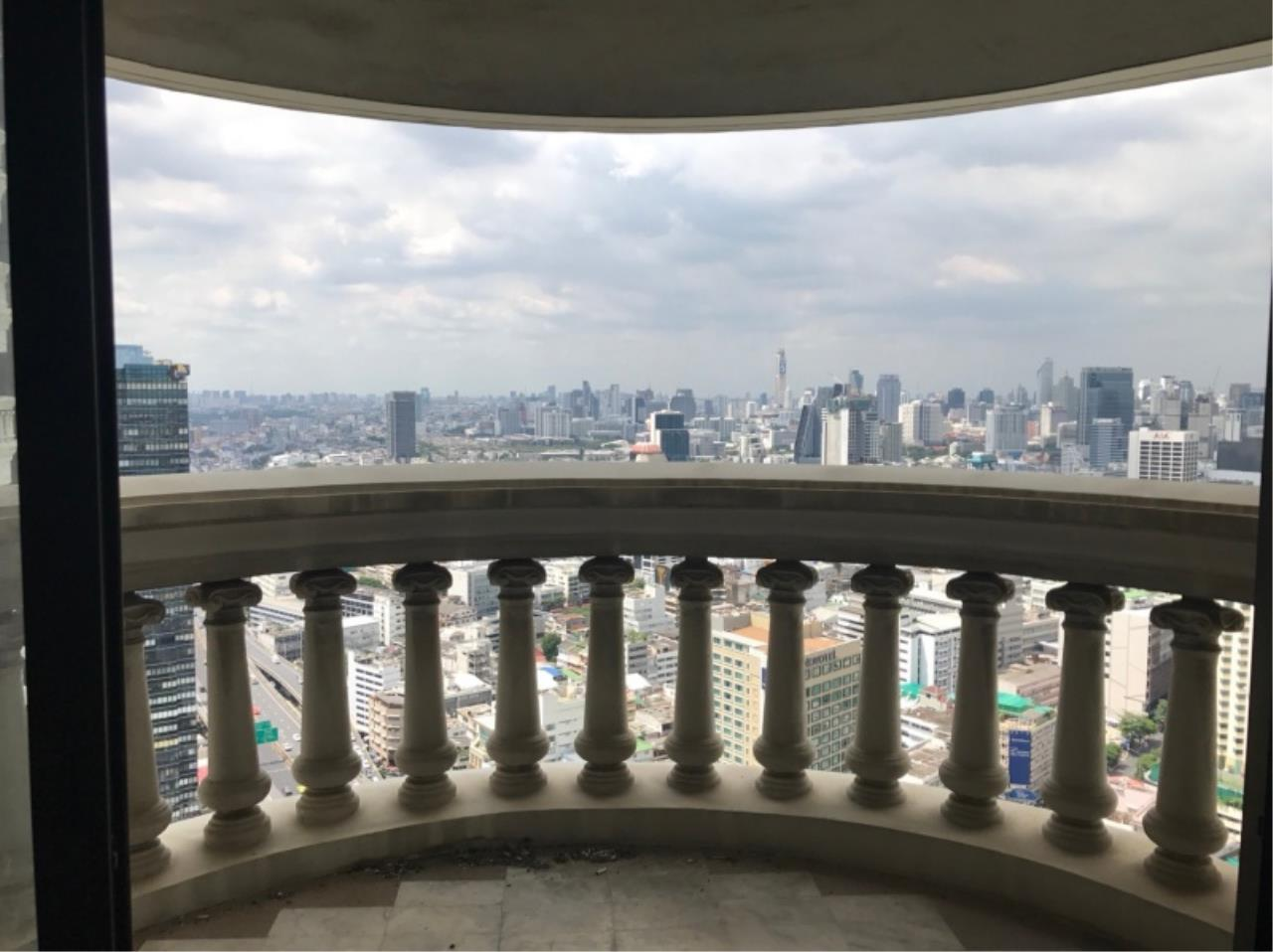 Century21 Skylux Agency's State Tower / Condo For Sale / 1 Bedroom / 68 SQM / BTS Surasak / Bangkok 8
