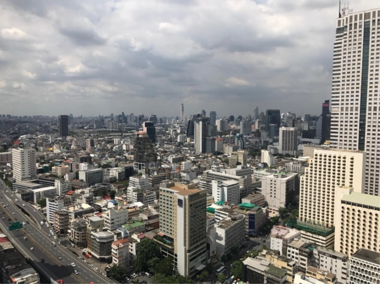 Century21 Skylux Agency's State Tower / Condo For Sale / 1 Bedroom / 68 SQM / BTS Surasak / Bangkok 10
