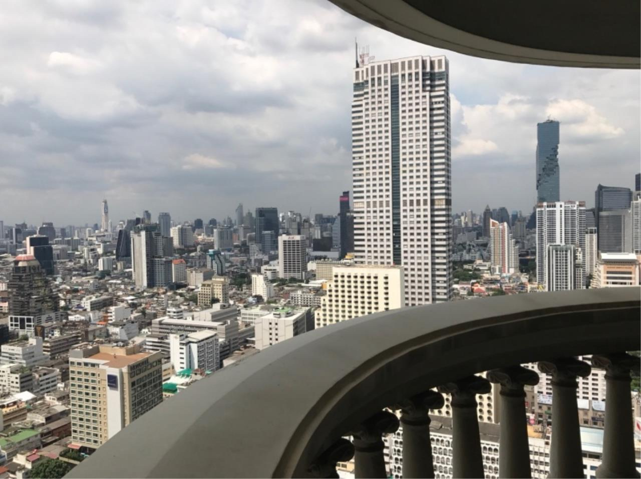 Century21 Skylux Agency's State Tower / Condo For Sale / 1 Bedroom / 68 SQM / BTS Surasak / Bangkok 9