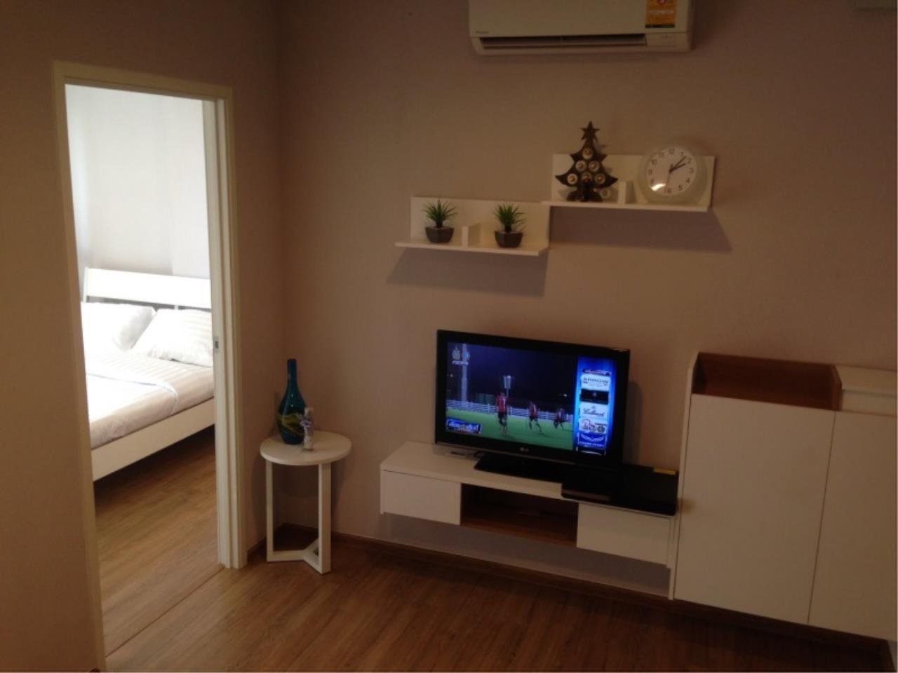 Century21 Skylux Agency's Fuse Chan – Sathorn / Condo For Sale / 1 Bedroom / 33.5 SQM / BTS Saphan Taksin / Bangkok 1