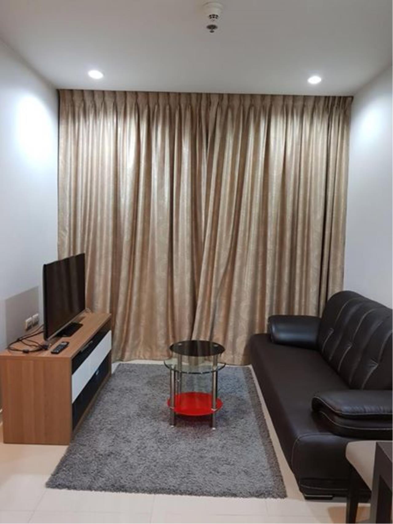 Century21 Skylux Agency's Circle Condominium / Condo For Sale / 1 Bedroom / 39.76 SQM / MRT Phetchaburi / Bangkok 2