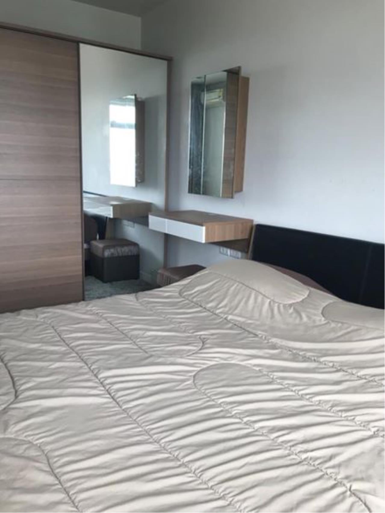 Century21 Skylux Agency's Circle Condominium / Condo For Sale / 1 Bedroom / 39.76 SQM / MRT Phetchaburi / Bangkok 3