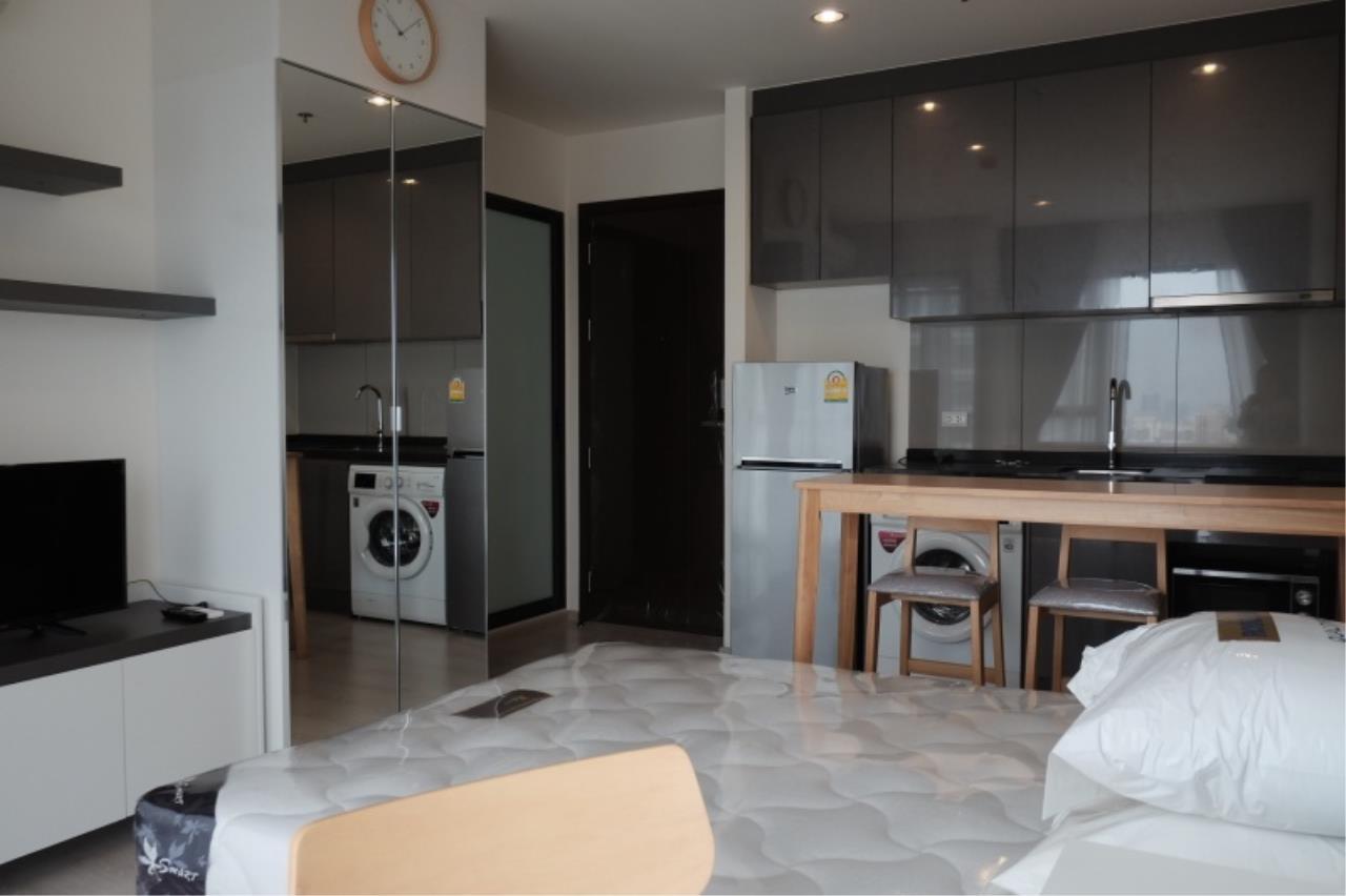 Century21 Skylux Agency's Rhythm Asoke / Condo For Sale / 1 Bedroom / 21.5 SQM / BTS Asok / Bangkok 1