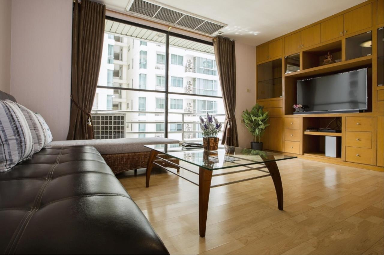 Century21 Skylux Agency's Regent Royal Place 2 / Condo For Rent / 1 Bedroom / 69 SQM / BTS Ratchadamri / Bangkok 1