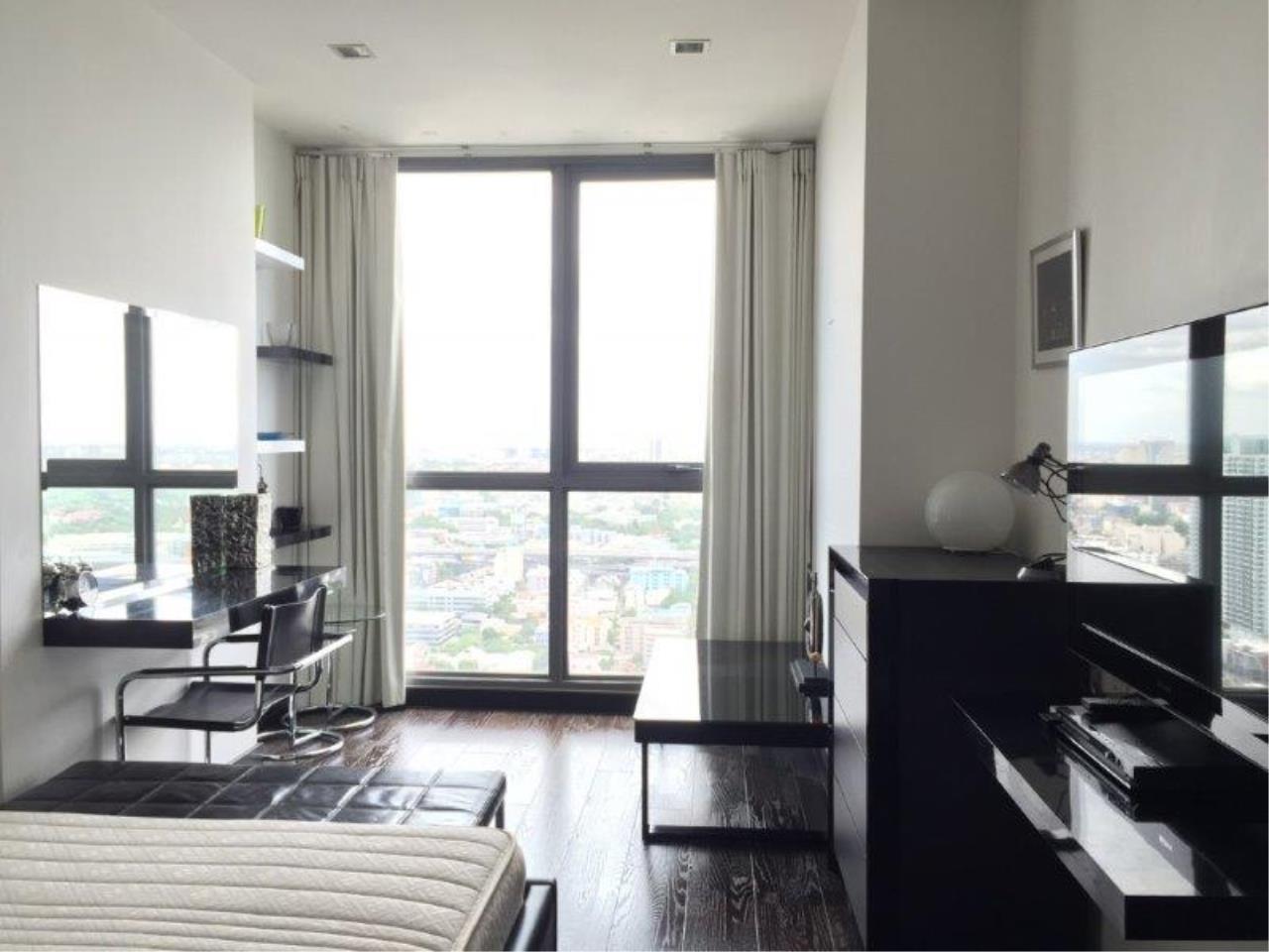 Century21 Skylux Agency's Ideo Q Phayathai / Condo For Sale / 2 Bedroom / 70 SQM / BTS Phaya Thai / Bangkok 1