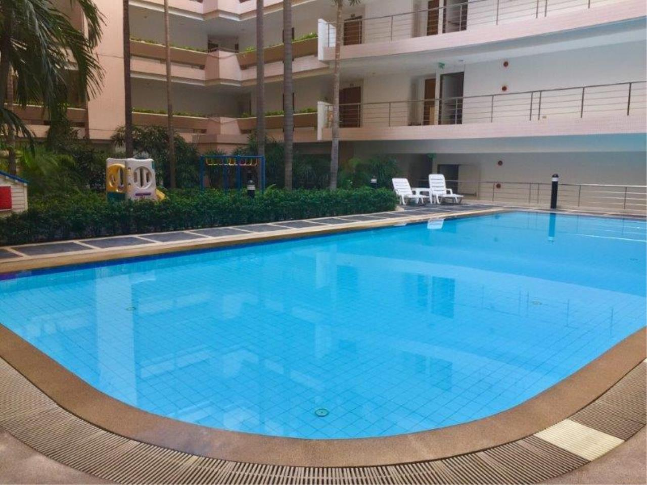 Century21 Skylux Agency's Navin Court / Condo For Sale / 3 Bedroom / 122 SQM / BTS Phloen Chit / Bangkok 10
