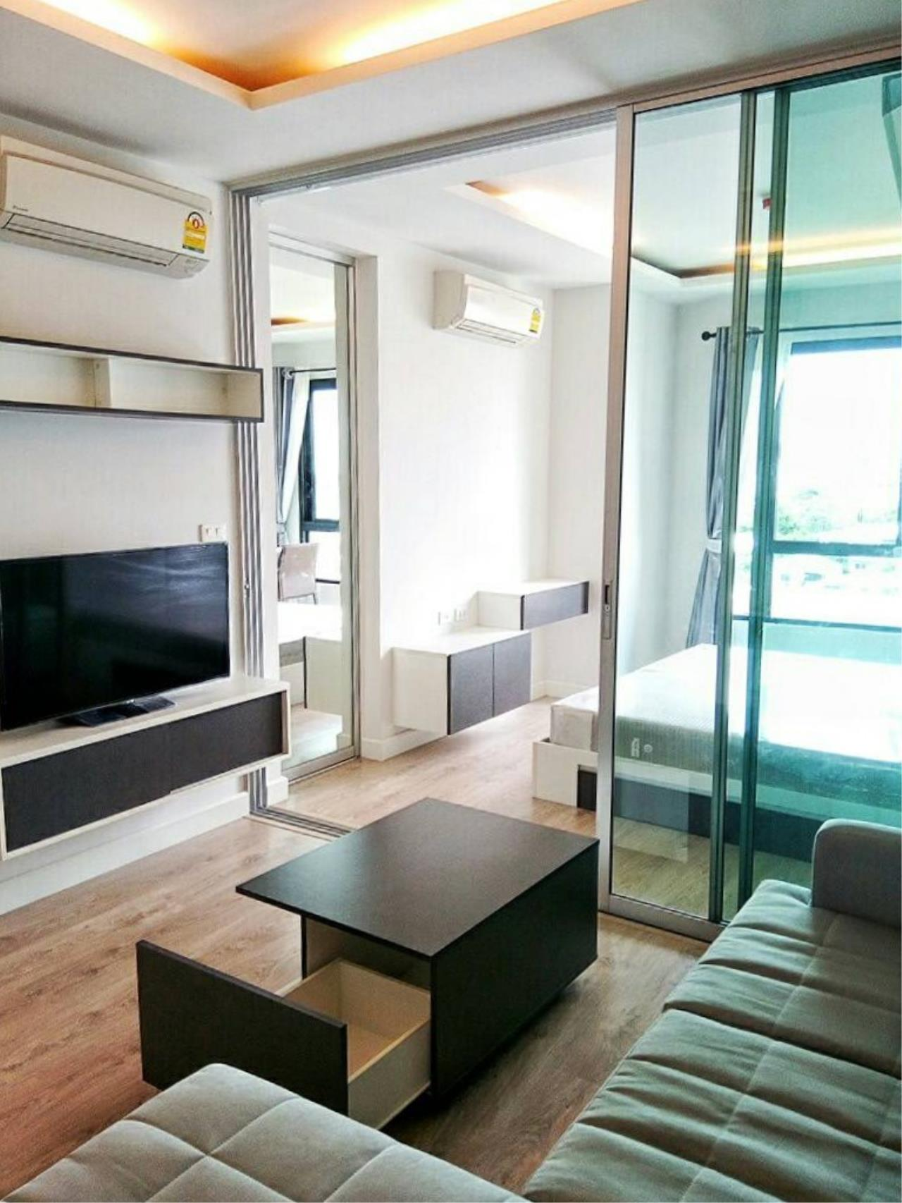 Century21 Skylux Agency's Bridge Sathorn-Narathiwas / Condo For Sale / 1 Bedroom / 33.6 SQM / BTS Chong Nonsi / Bangkok 1