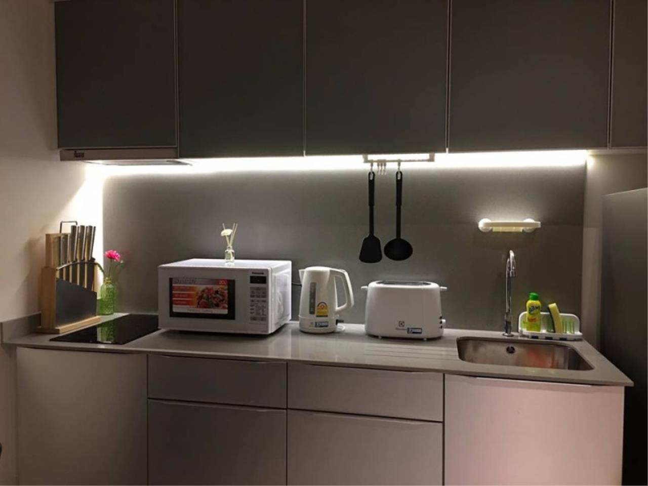 Century21 Skylux Agency's The Lofts Ekkamai / Condo For Sale / 1 Bedroom / 51 SQM / BTS Ekkamai / Bangkok 10