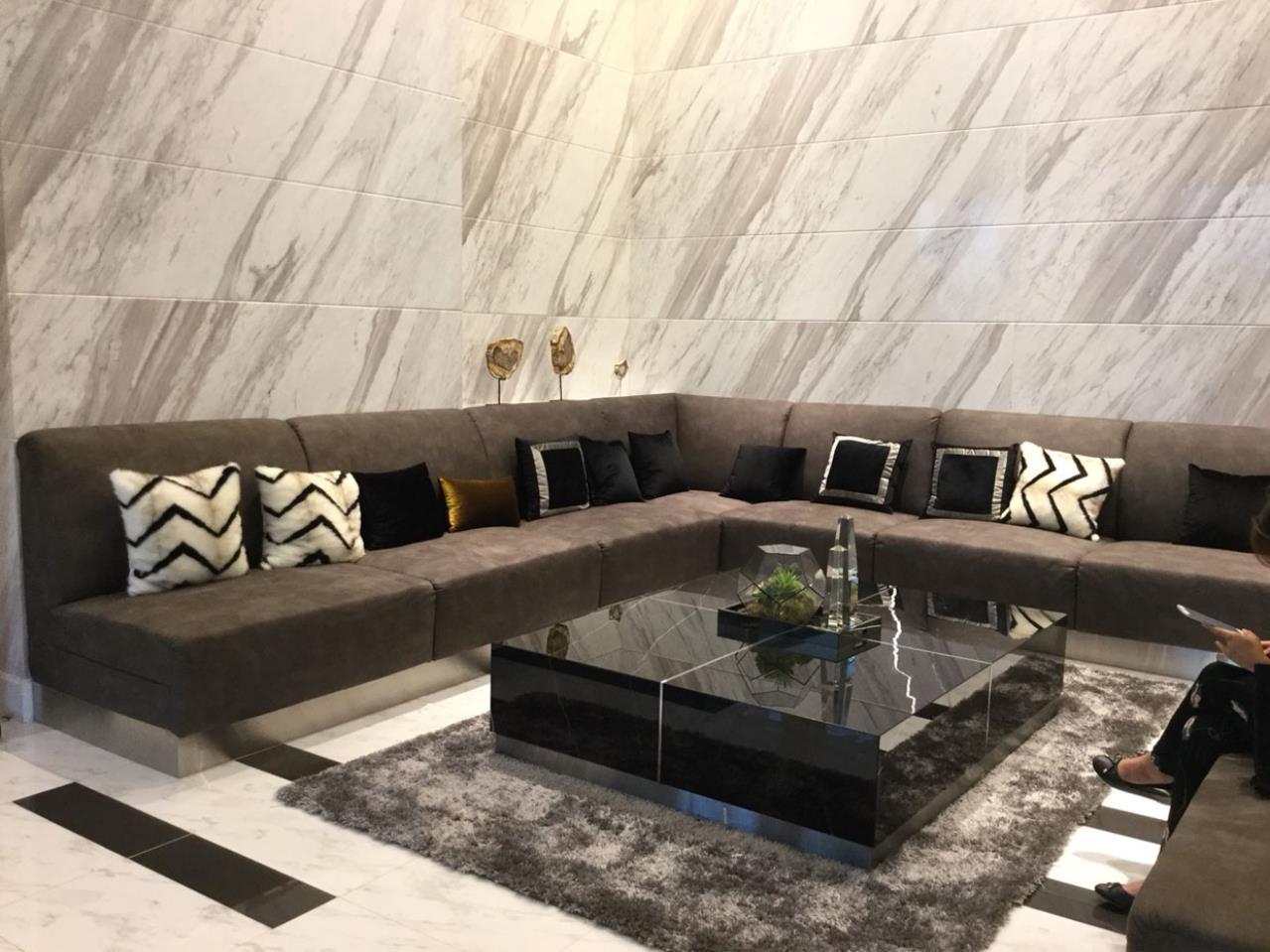 SmartProperty Agency's Condo for Rent, LIFE ASOKE 1B1B 30 sq.m. 20th flr. Fully furnished 12