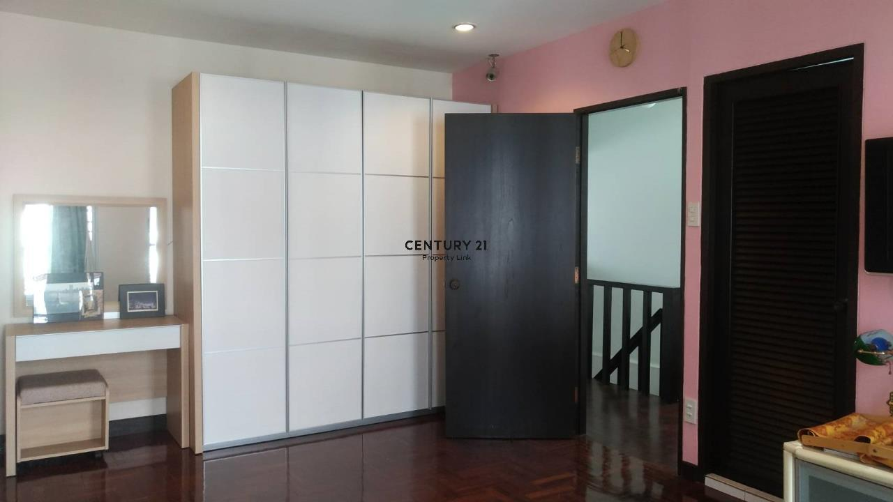 Century21 Property Link Agency's 04-TH-61043 Town House @ Ari Sampha soi 3 for sale/rent 5