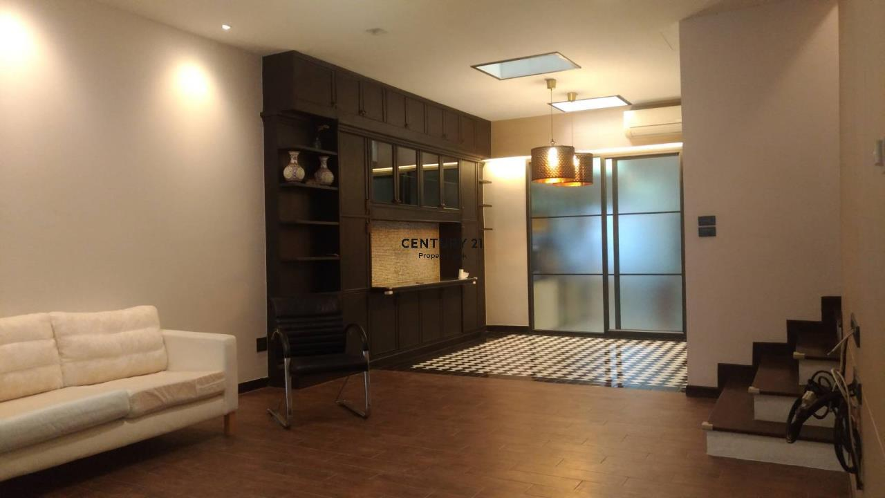 Century21 Property Link Agency's 04-TH-61043 Town House @ Ari Sampha soi 3 for sale/rent 2