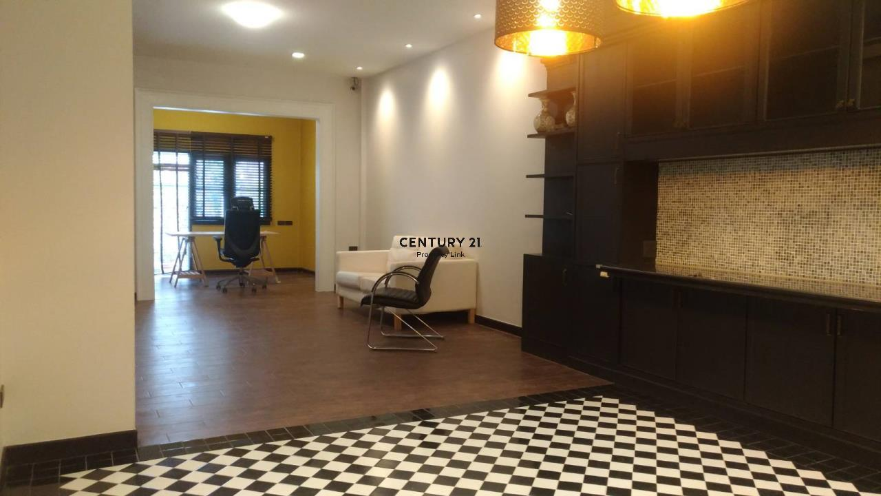 Century21 Property Link Agency's 04-TH-61043 Town House @ Ari Sampha soi 3 for sale/rent 4