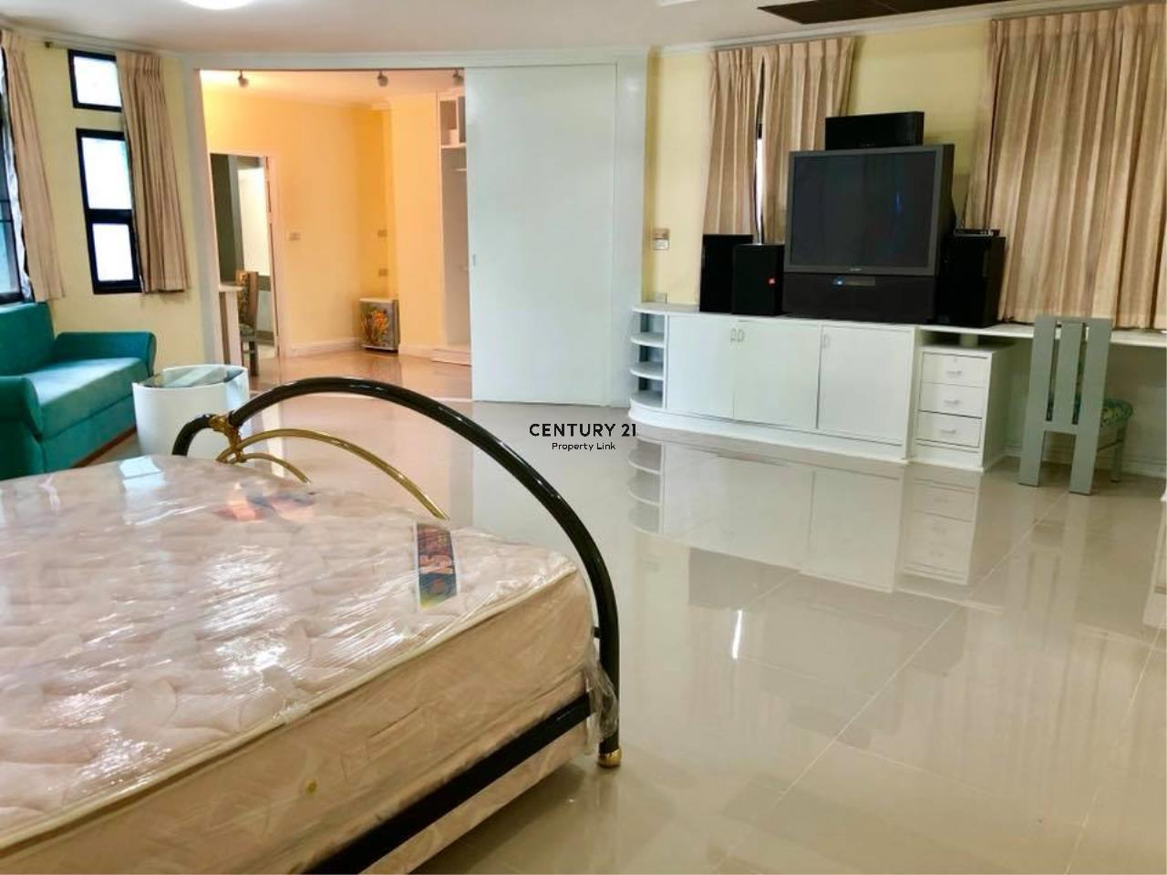 Century21 Property Link Agency's 37-TH-61048 Townhouse for Rent in Phromphong 15