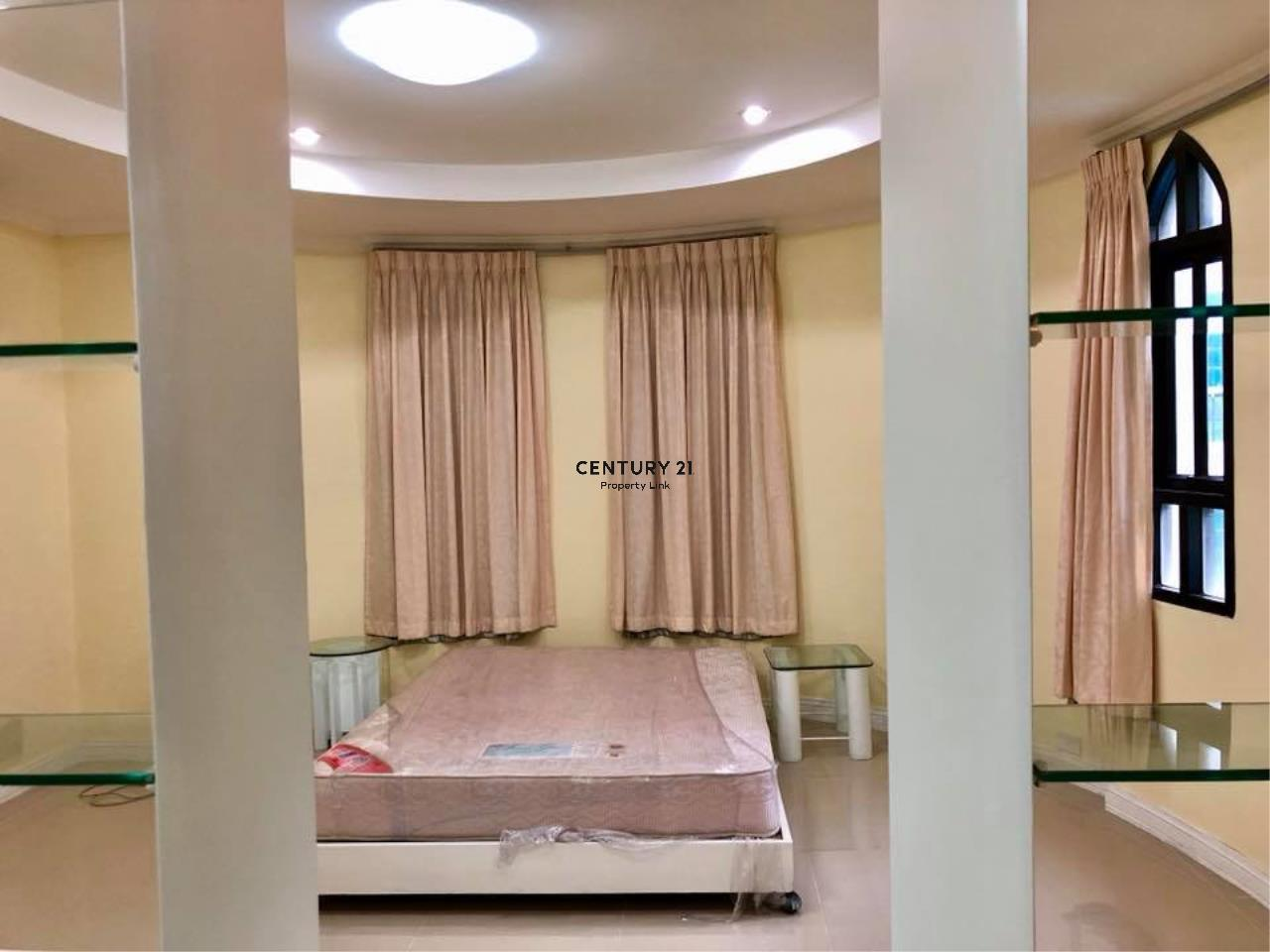 Century21 Property Link Agency's 37-TH-61048 Townhouse for Rent in Phromphong 17