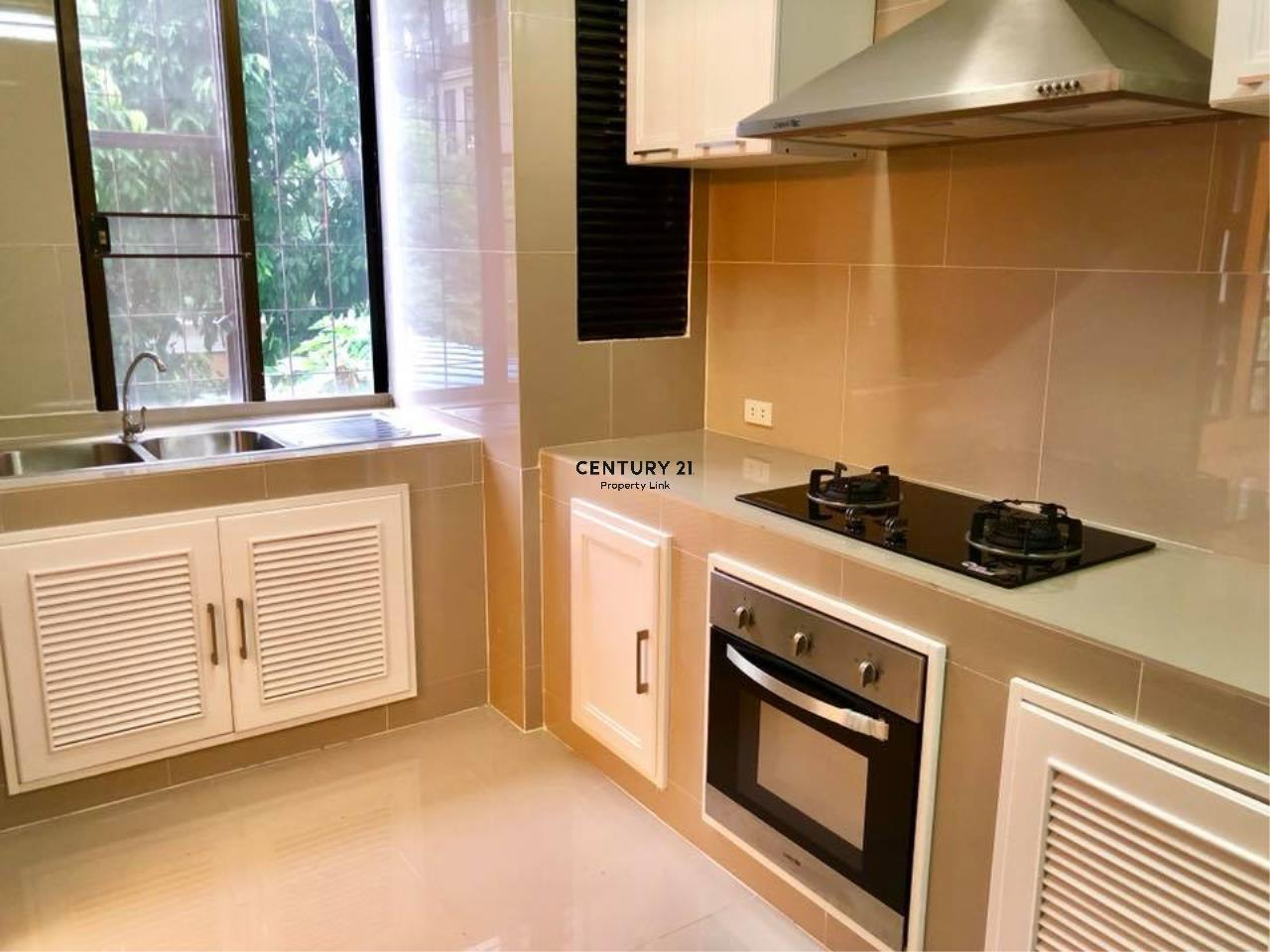 Century21 Property Link Agency's 37-TH-61048 Townhouse for Rent in Phromphong 11