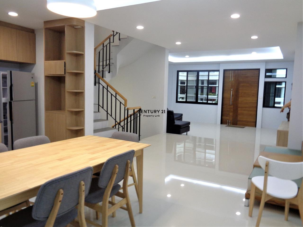 Century21 Property Link Agency's 37-TH-61055 Townhouse in Phromphong for Rent 7