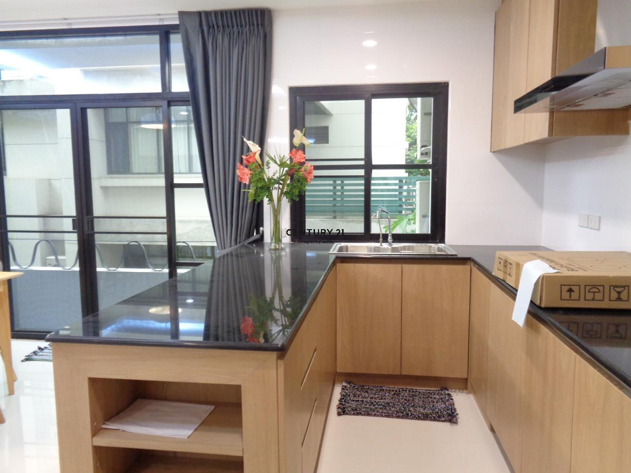 Century21 Property Link Agency's 37-TH-61055 Townhouse in Phromphong for Rent 8