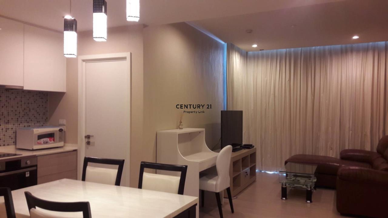Century21 Property Link Agency's 38-CC-61432 The Room Sukhumvit 21 near BTS Asoke MRT Sukhumvit 1