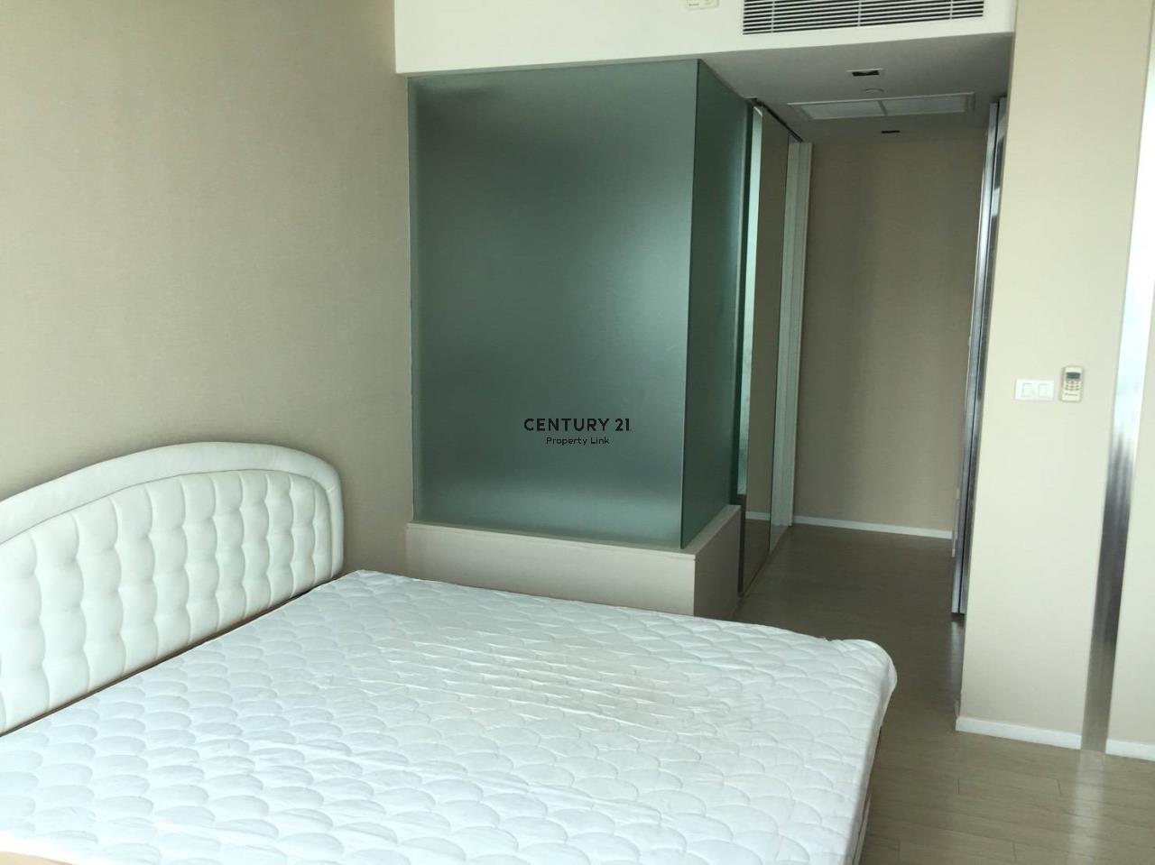 Century21 Property Link Agency's 38-CC-61432 The Room Sukhumvit 21 near BTS Asoke MRT Sukhumvit 4