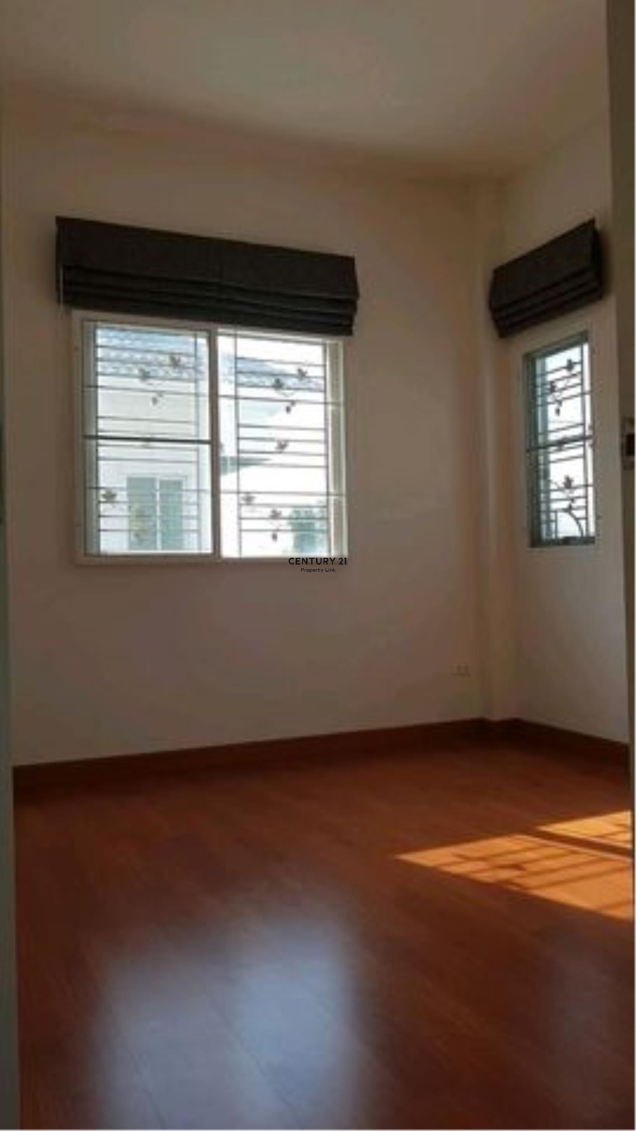 Century21 Property Link Agency's 38-HH-61070 single House @Kanchanapisek near Central Westgate 9