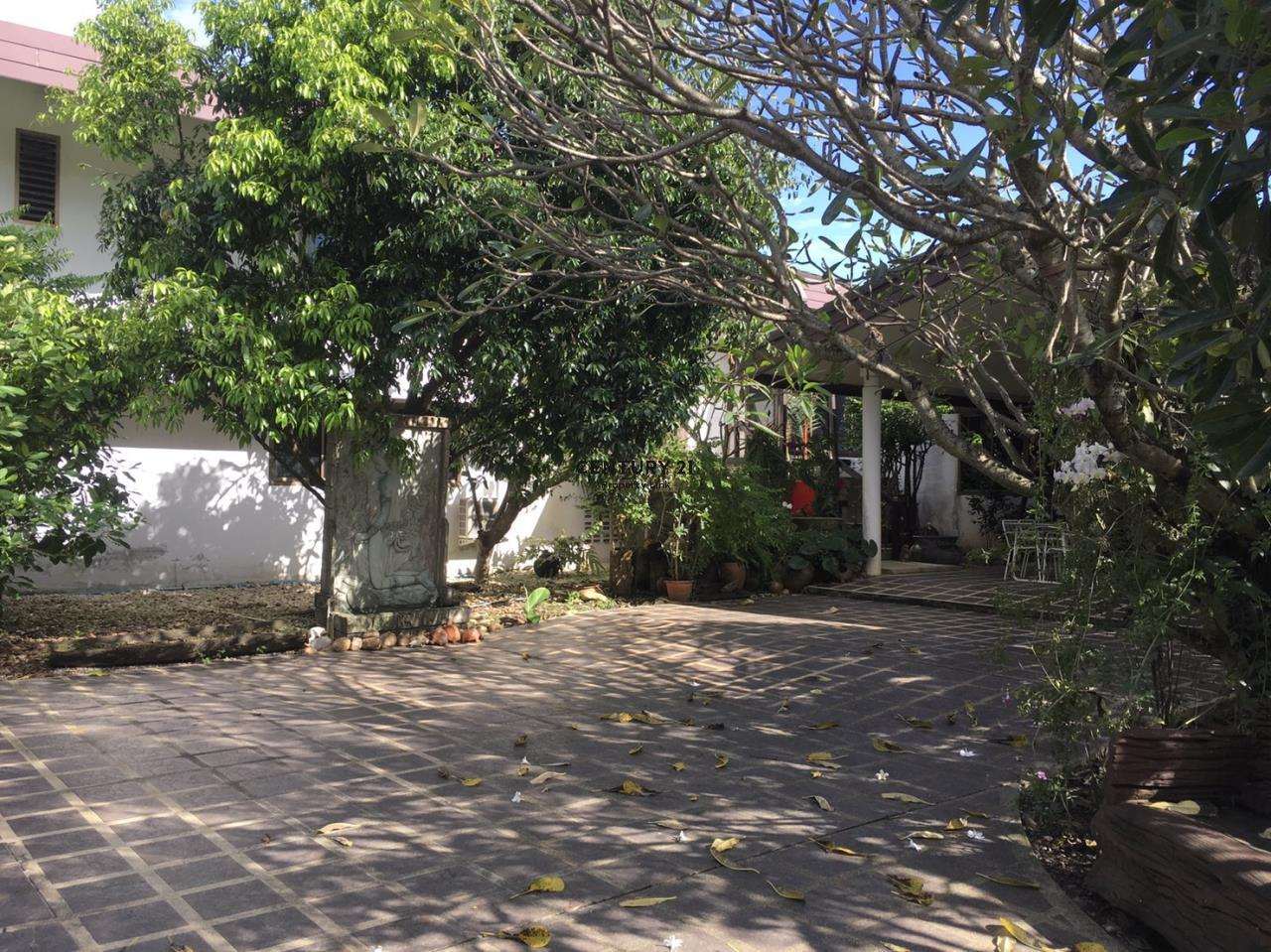 Century21 Property Link Agency's 38-HH-61076 A Big Single House @Khlong Luang Fully Furnished near Wang Noi Market Rajamangala University 2