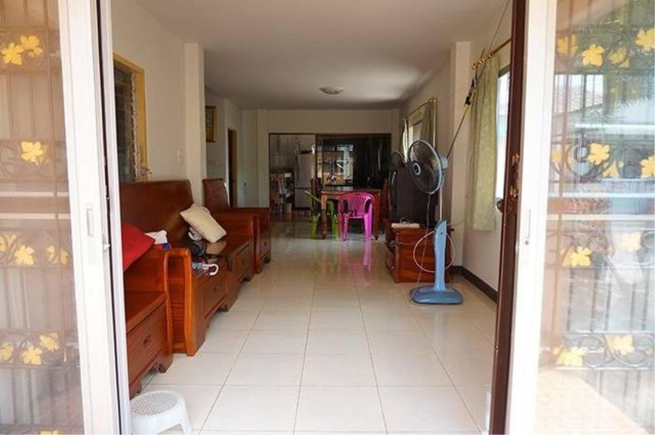 Century21 Property Link Agency's 38-TH-61045 Townhouse 2 Storeys @Phetkasem Soi 106 near Southeast Asia University  4
