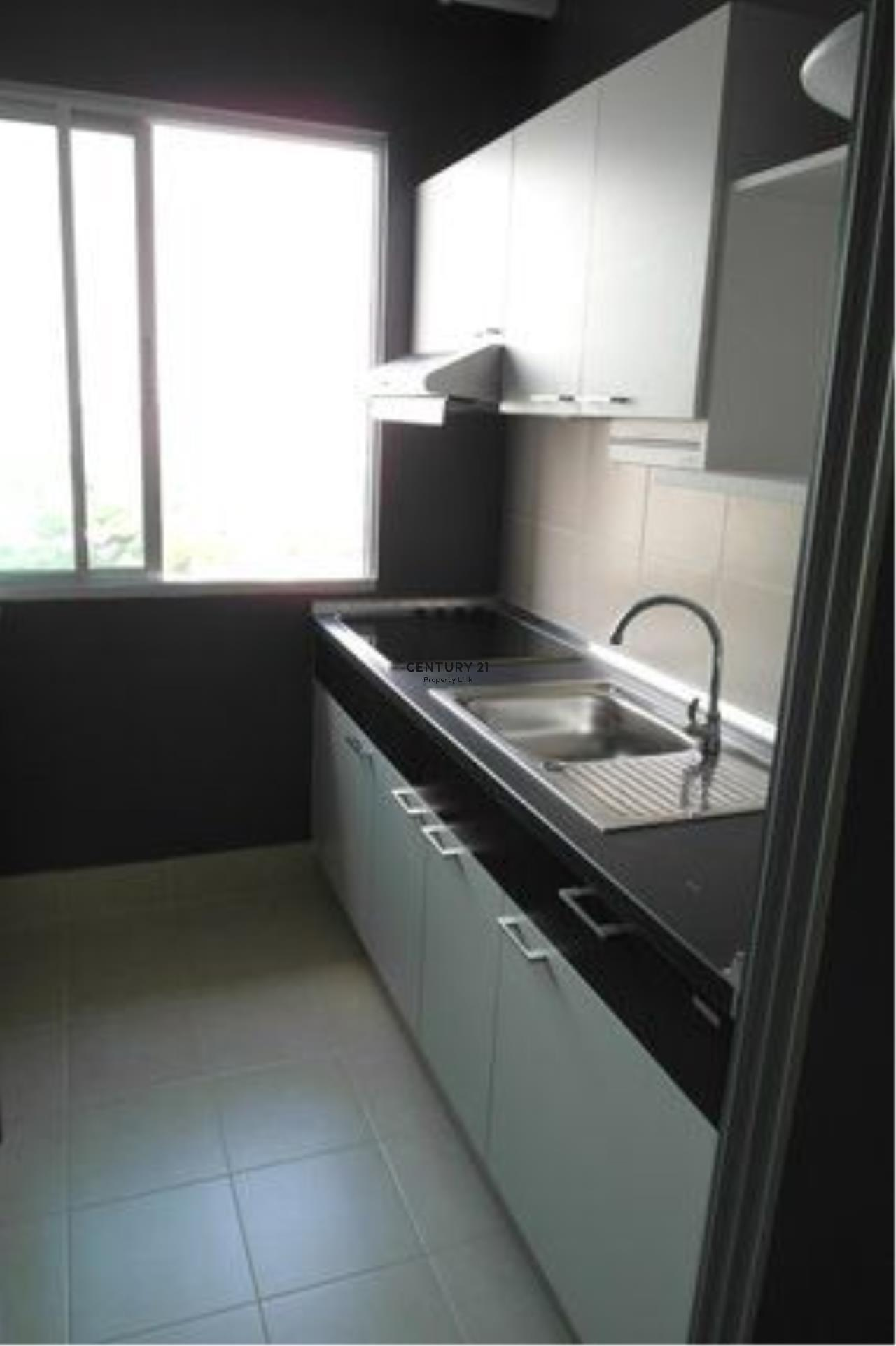 Century21 Property Link Agency's 39-CC-61272 Supalai Park Ratchayothin Room For Sale 2 Bedroom Chatuchak Nearby Phahon Yothin MRT Selling price 5 MB.   6