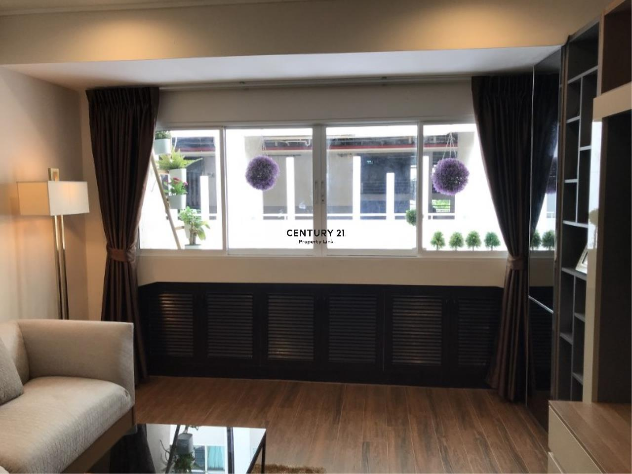 Century21 Property Link Agency's 39-CC-61281 Somkid Place Near BTS Chit Lom Sukhumvit road. Room for Sale Duplex 2 Bedroom Selling price 9MB. 8