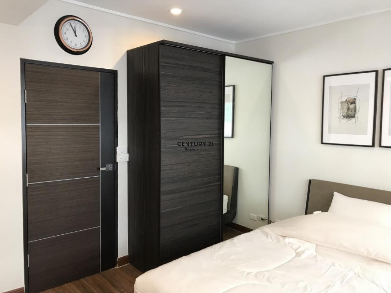 Century21 Property Link Agency's 39-CC-61281 Somkid Place Near BTS Chit Lom Sukhumvit road. Room for Sale Duplex 2 Bedroom Selling price 9MB. 4