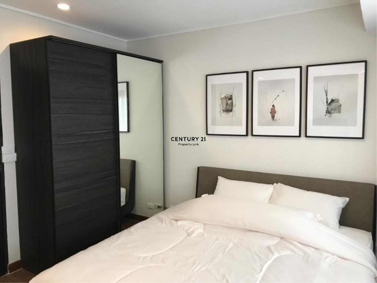 Century21 Property Link Agency's 39-CC-61281 Somkid Place Near BTS Chit Lom Sukhumvit road. Room for Sale Duplex 2 Bedroom Selling price 9MB. 3