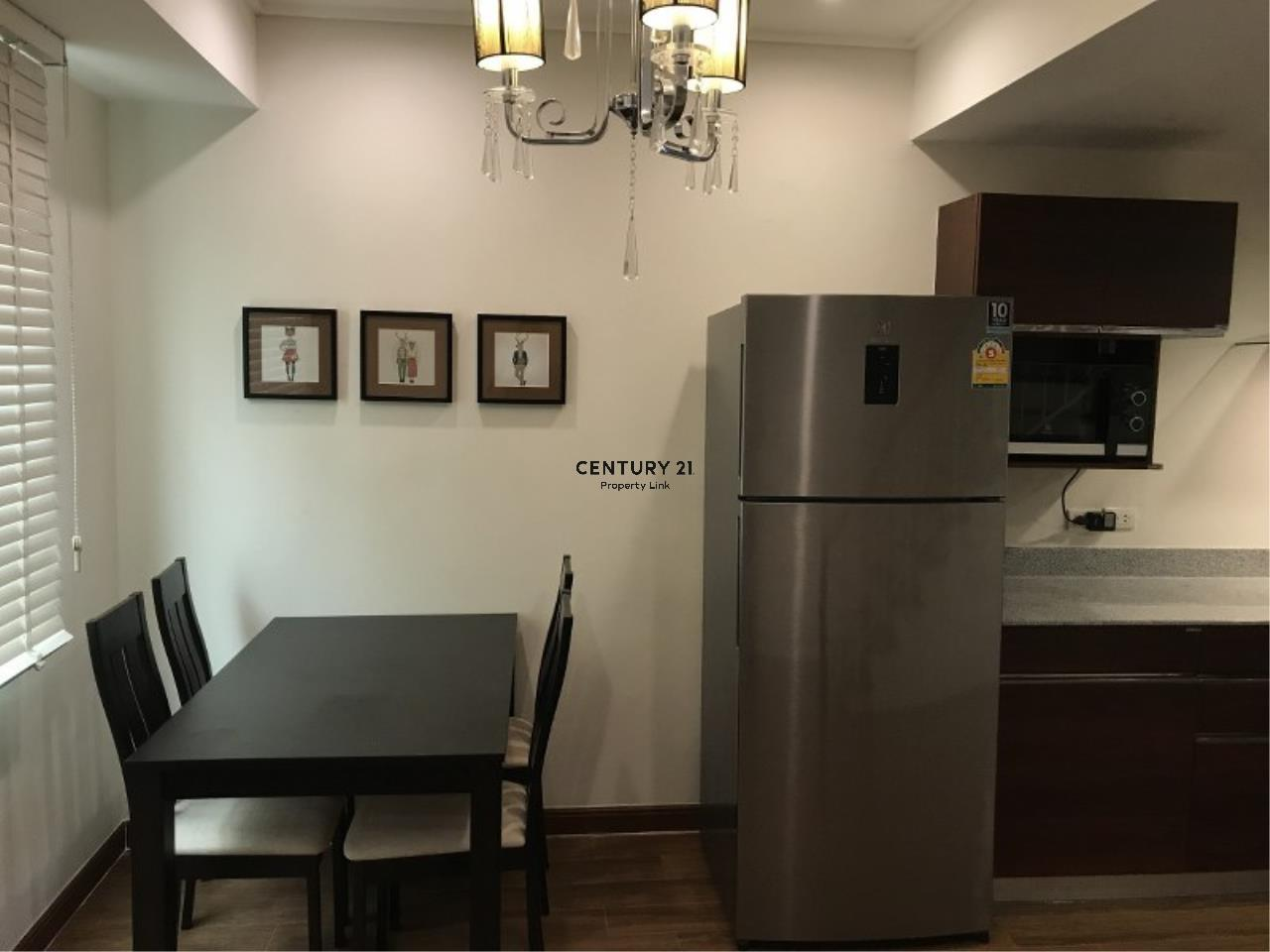 Century21 Property Link Agency's 39-CC-61281 Somkid Place Near BTS Chit Lom Sukhumvit road. Room for Sale Duplex 2 Bedroom Selling price 9MB. 13