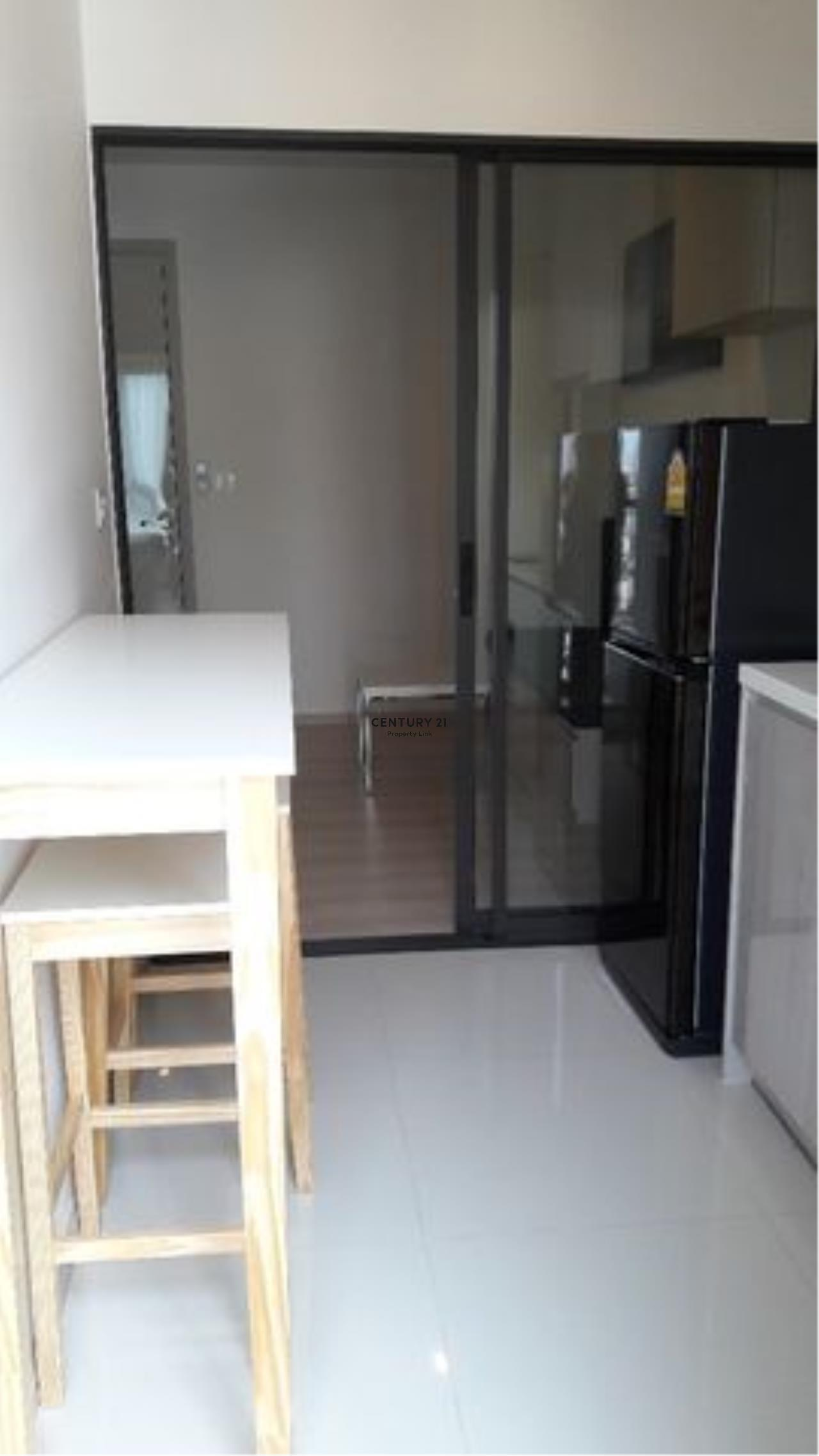 Century21 Property Link Agency's 39-CC-61353 Life Sukhumvit 48 Room For Rent Near BTS Phra Khanong Sukhumvit Road 1 Bedroom 18,000 THB./ month 5