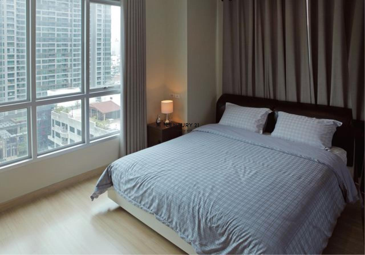 Century21 Property Link Agency's 39-CC-61434 Life @ Sathorn 10 Room For Sale 2 Bedroom Silom Bang Rak Nearby Chong Nonsi BTS Sale Price 8.99 MB.   2